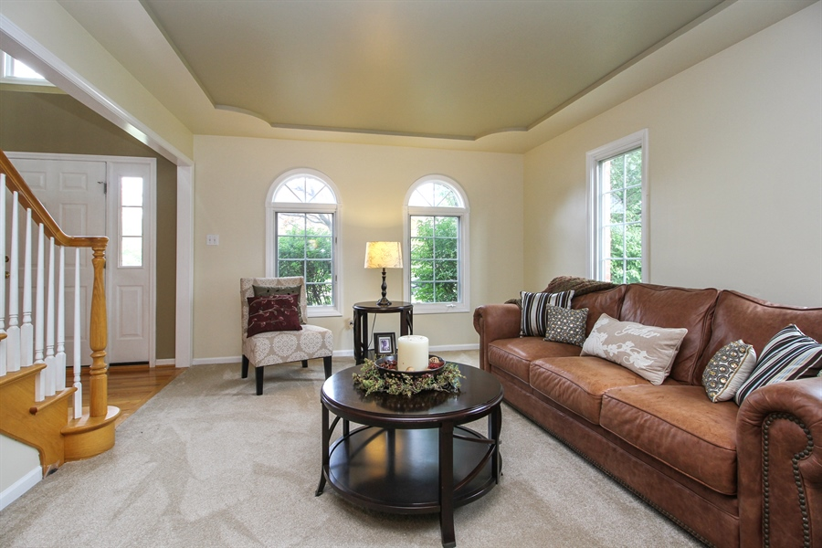 Real Estate Photography - 11313 Stoll Road, Frankfort, IL, 60423 - Living Room