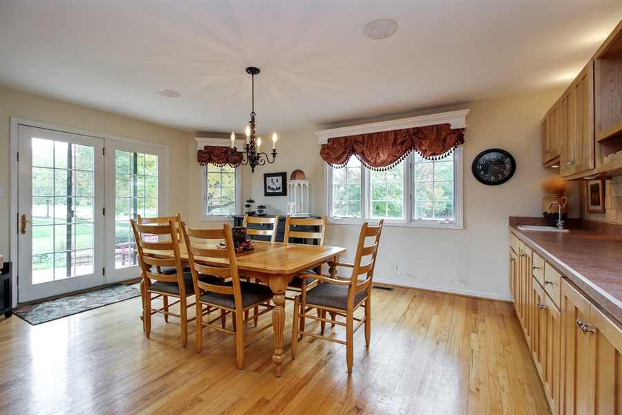 Real Estate Photography - 11313 Stoll Road, Frankfort, IL, 60423 - Kitchen / Breakfast Room