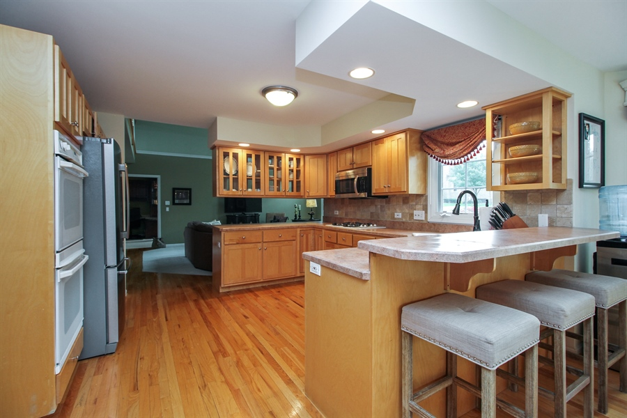 Real Estate Photography - 11313 Stoll Road, Frankfort, IL, 60423 - Kitchen