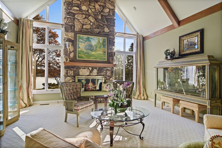 Real Estate Photography - 1411 Carlisle Drive, Barrington, IL, 60010 - Great Room