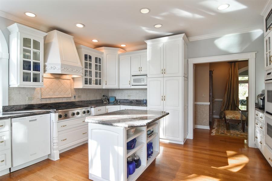 Real Estate Photography - 1411 Carlisle Drive, Barrington, IL, 60010 - Kitchen