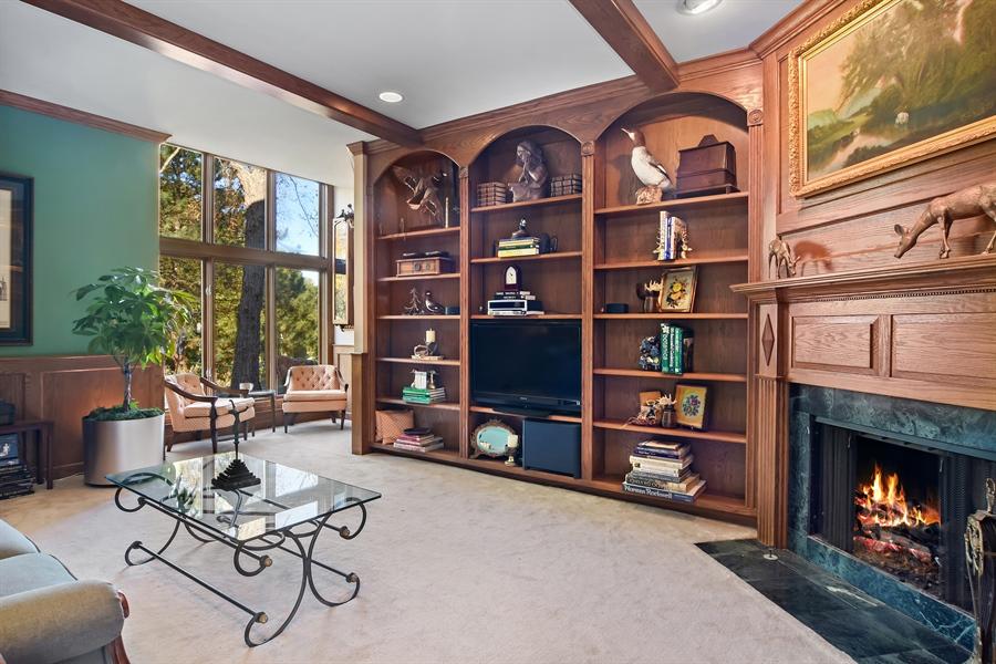 Real Estate Photography - 1411 Carlisle Drive, Barrington, IL, 60010 - Library