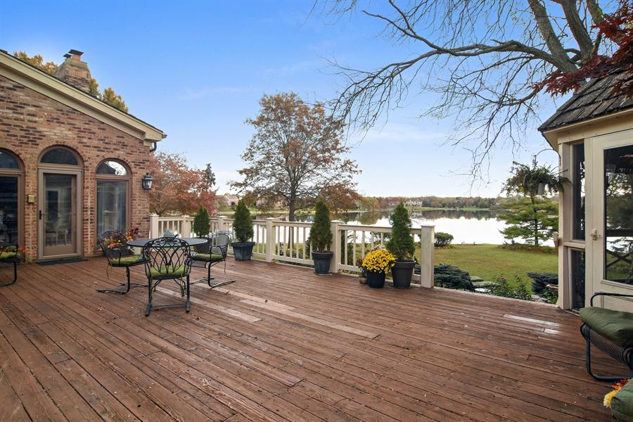 Real Estate Photography - 1411 Carlisle Drive, Barrington, IL, 60010 - Deck