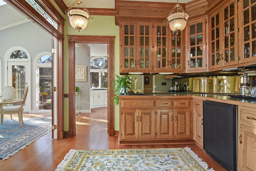 Real Estate Photography - 1411 Carlisle Drive, Barrington, IL, 60010 - Butler's Pantry/Wet Bar