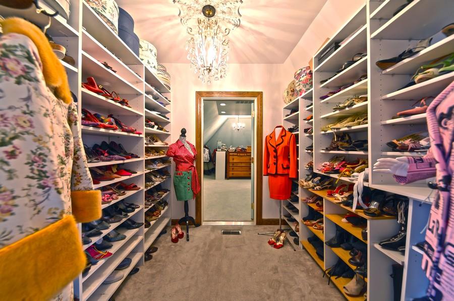 Real Estate Photography - 1411 Carlisle Drive, Barrington, IL, 60010 - En-Suite Closet