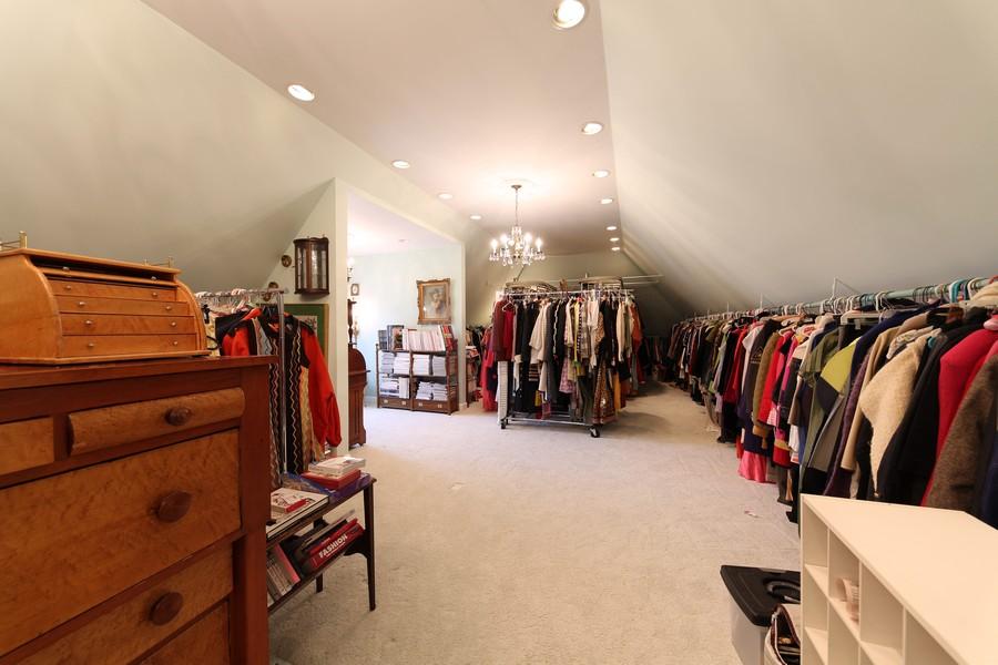 Real Estate Photography - 1411 Carlisle Drive, Barrington, IL, 60010 - Studio