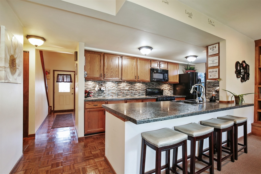 Real Estate Photography - 1715 Riverwood Drive, Algonquin, IL, 60102 - Kitchen / Breakfast Room