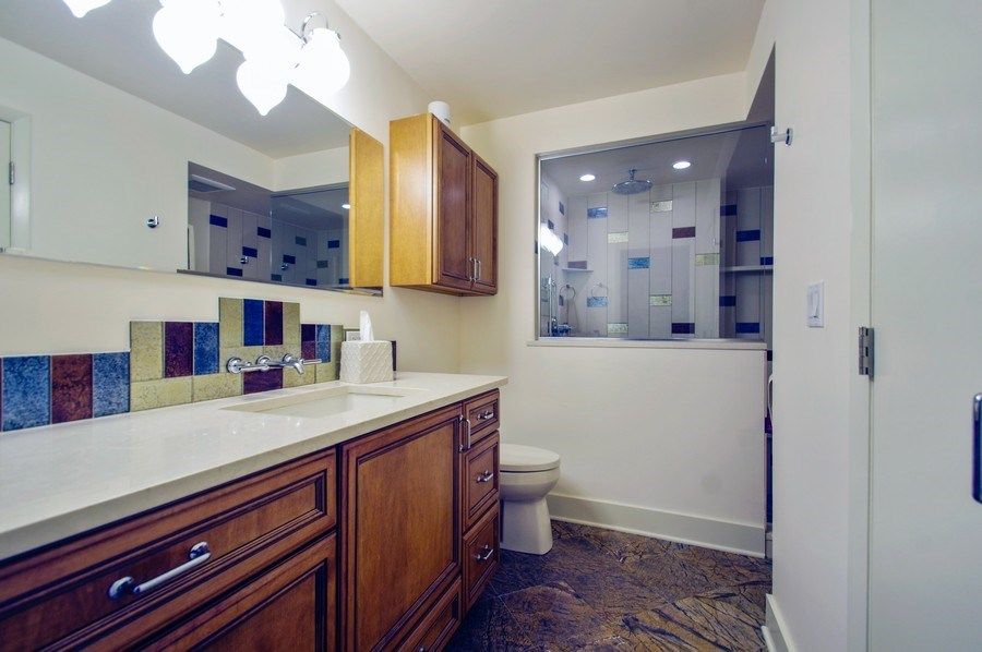 Real Estate Photography - 6007 N. Sheridan Road, Unit 38DF, Chicago, IL, 60660 - Master Bathroom