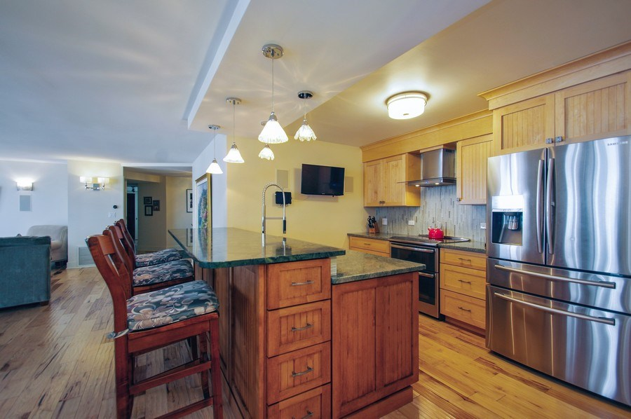 Real Estate Photography - 6007 N. Sheridan Road, Unit 38DF, Chicago, IL, 60660 - Kitchen