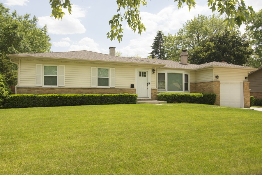 Real Estate Photography - 1327 E. Norman Drive, Palatine, IL, 60074 - Front View