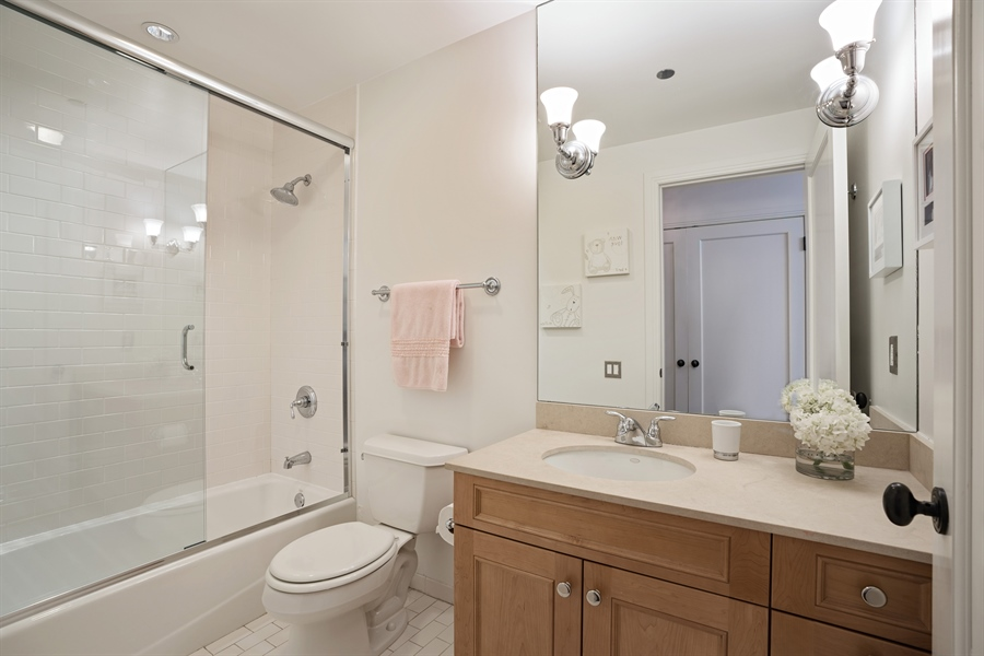 Real Estate Photography - 840 N. LAKE SHORE Drive, Unit 1803, Chicago, IL, 60611 - Ensuite Bathroom 3