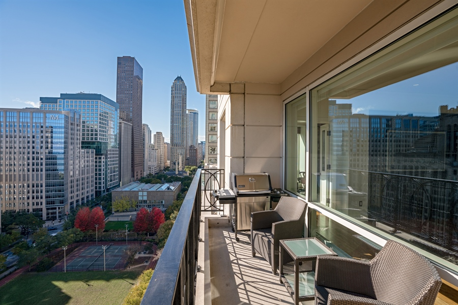Real Estate Photography - 840 N. LAKE SHORE Drive, Unit 1803, Chicago, IL, 60611 - Terrace Park View