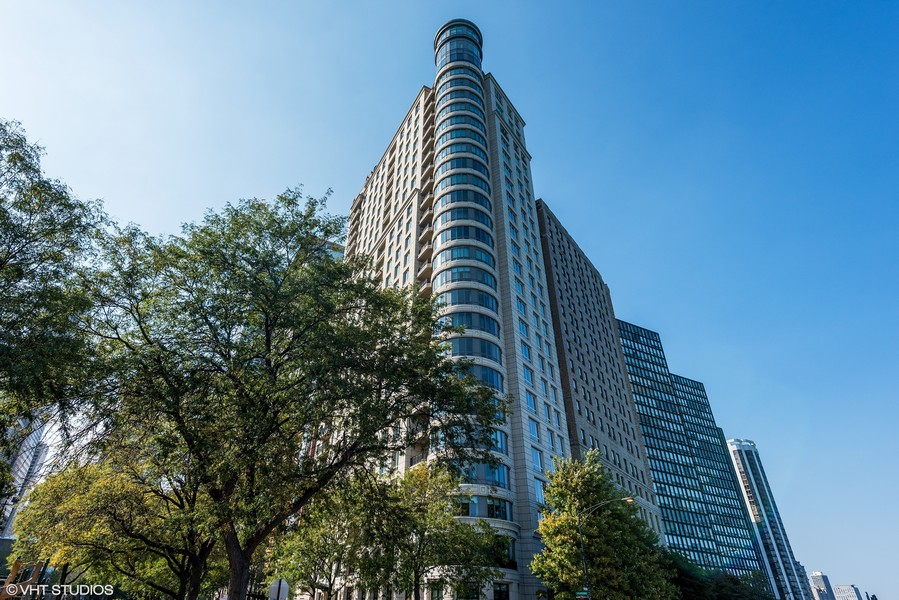 Real Estate Photography - 840 N. LAKE SHORE Drive, Unit 1803, Chicago, IL, 60611 - Front Exterior