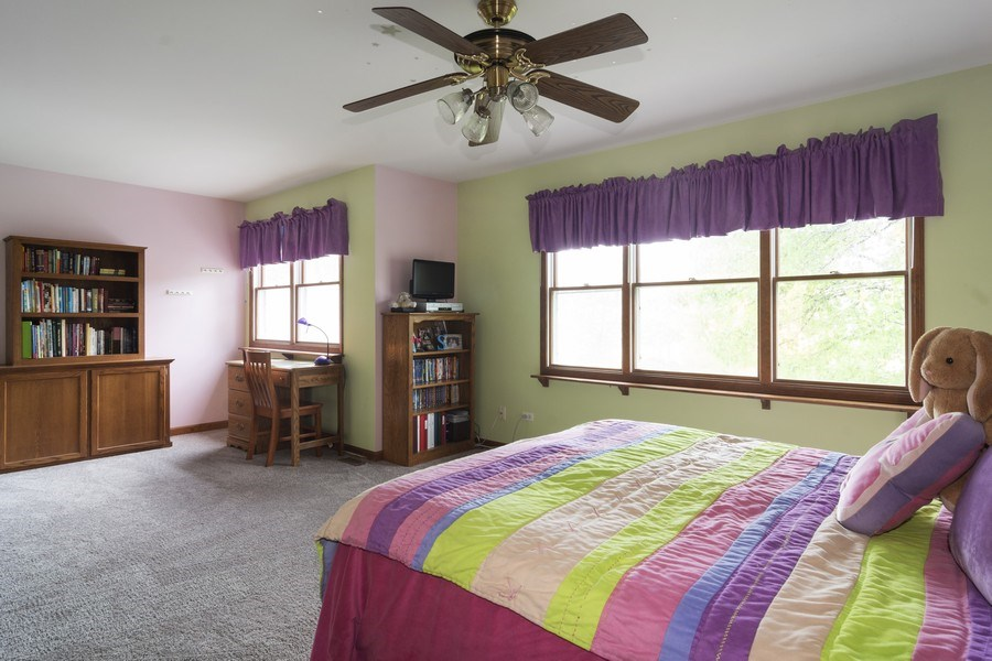 Real Estate Photography - 319 N Pondview Drive, Palatine, IL, 60067 - 4th Large Bedroom