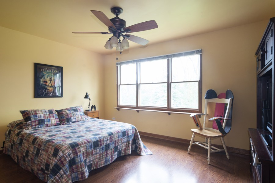 Real Estate Photography - 319 N Pondview Drive, Palatine, IL, 60067 - 3rd Bedroom