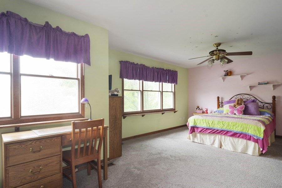 Real Estate Photography - 319 N Pondview Drive, Palatine, IL, 60067 - 4th Large Bedroom #2