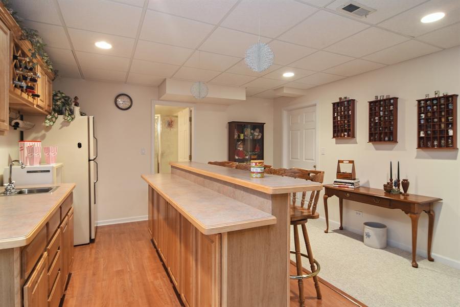 Real Estate Photography - 319 N Pondview Drive, Palatine, IL, 60067 - Bar