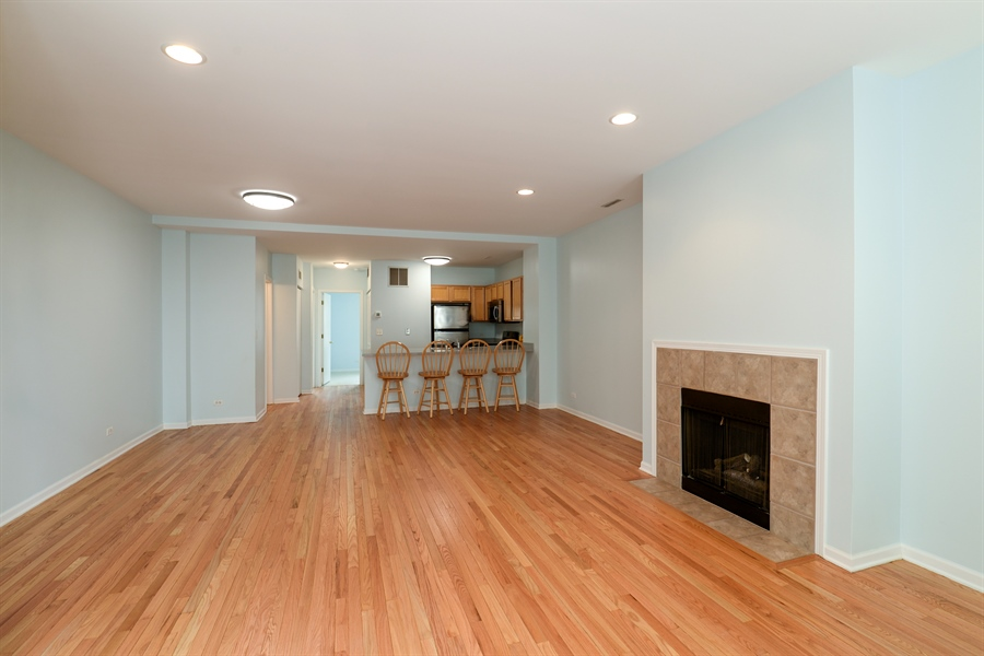 Real Estate Photography - 3516 N. SHEFFIELD Avenue, Unit 3RN, Chicago, IL, 60657 - Great room