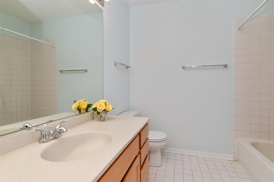 Real Estate Photography - 3516 N. SHEFFIELD Avenue, Unit 3RN, Chicago, IL, 60657 - Bathroom