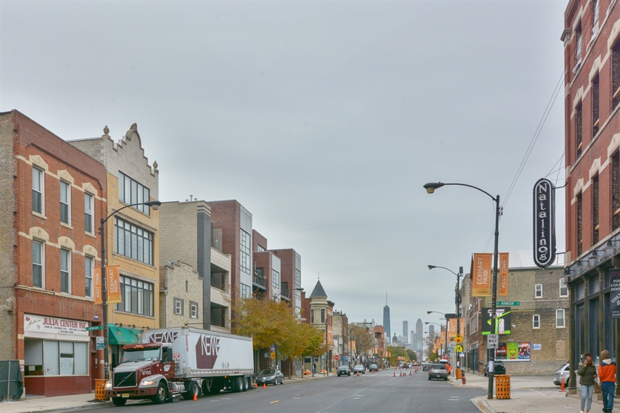 Real Estate Photography - 1530 West Chicago Ave, Chicago, IL, 60647 - Neighborhood