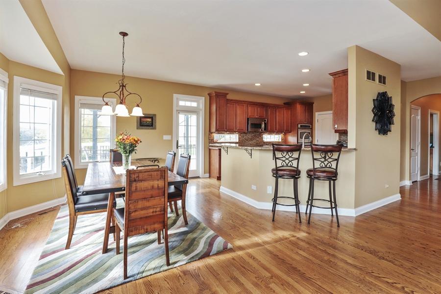 Real Estate Photography - 824 Wedgewood Court, Lindenhurst, IL, 60046 - Kitchen / Breakfast Room