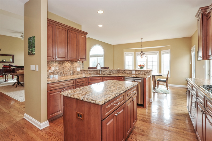 Real Estate Photography - 824 Wedgewood Court, Lindenhurst, IL, 60046 - Kitchen