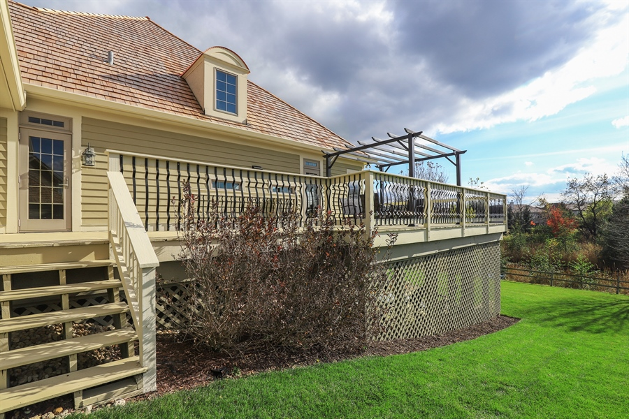 Real Estate Photography - 824 Wedgewood Court, Lindenhurst, IL, 60046 - Side View