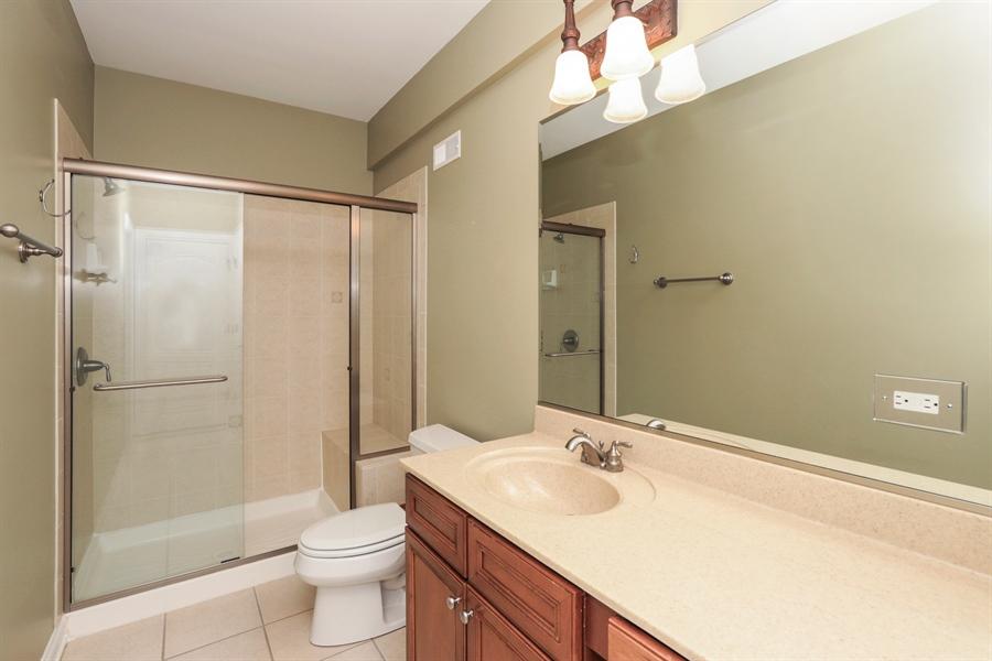 Real Estate Photography - 824 Wedgewood Court, Lindenhurst, IL, 60046 - Bathroom