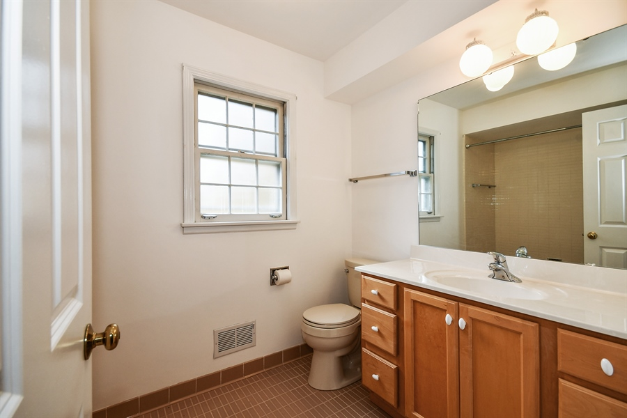 Real Estate Photography - 412 Tanglewood Lane, Naperville, IL, 60563 - 2nd Bathroom