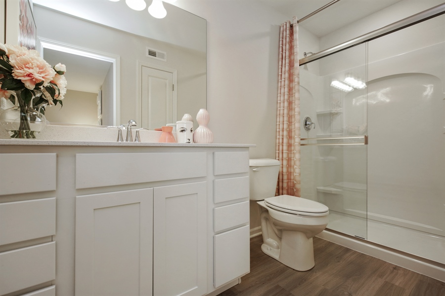 Real Estate Photography - 1021 Mayhaw Drive, Crystal Lake, IL, 60012 - 2nd Bathroom