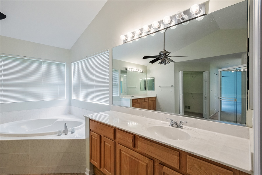 Real Estate Photography - 2936 ANDRUS Drive, West Chicago, IL, 60185 - Master Bathroom