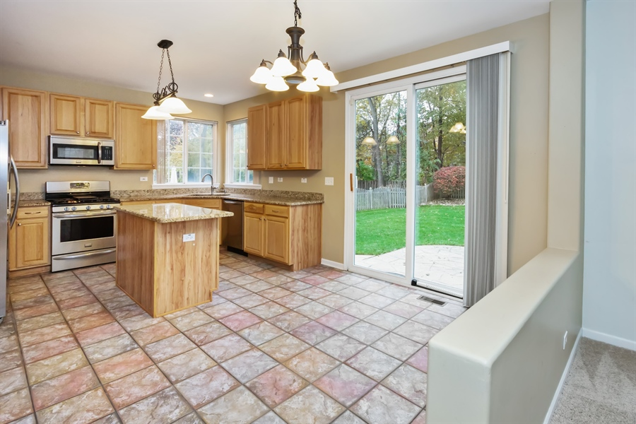 Real Estate Photography - 2936 ANDRUS Drive, West Chicago, IL, 60185 - Breakfast Area