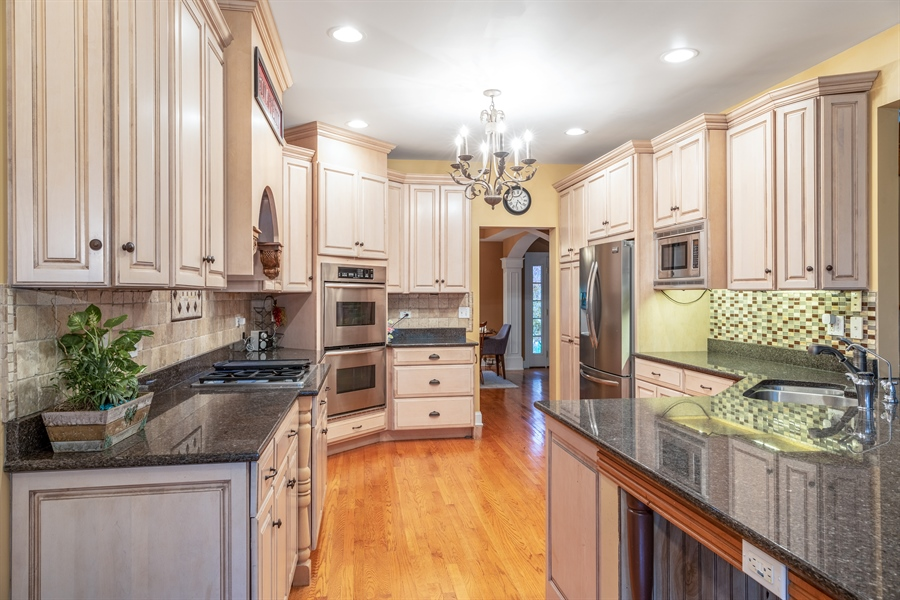 Real Estate Photography - 25603 N. warwick Road, Tower Lakes, IL, 60010 - Kitchen