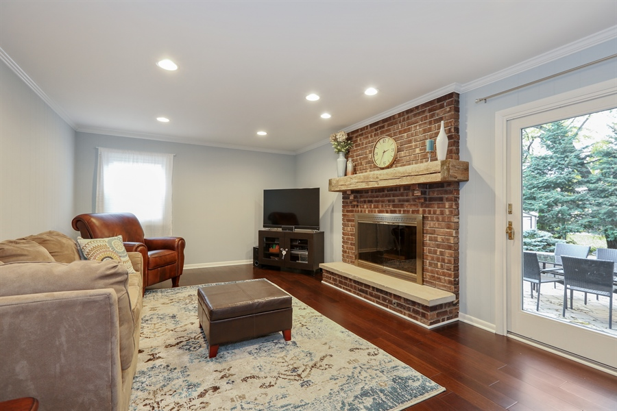Real Estate Photography - 25W137 Jane Avenue, Naperville, IL, 60540 - Family Room