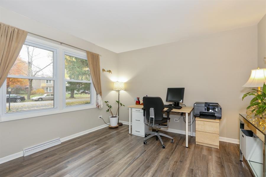 Real Estate Photography - 25W137 Jane Avenue, Naperville, IL, 60540 - Office