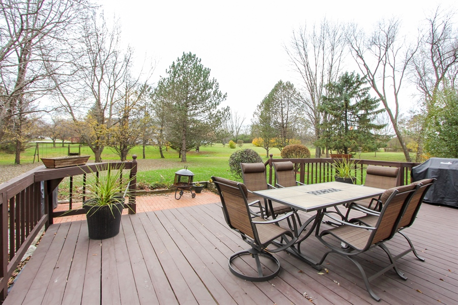 Real Estate Photography - 14465 Dan Patch Lane, Libertyville, IL, 60048 - Deck