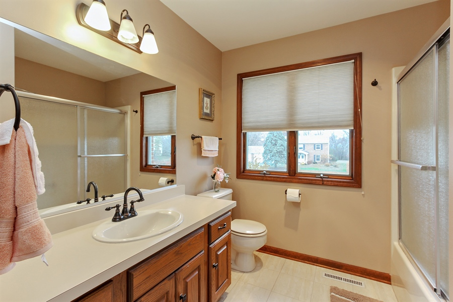 Real Estate Photography - 14465 Dan Patch Lane, Libertyville, IL, 60048 - 2nd Bathroom