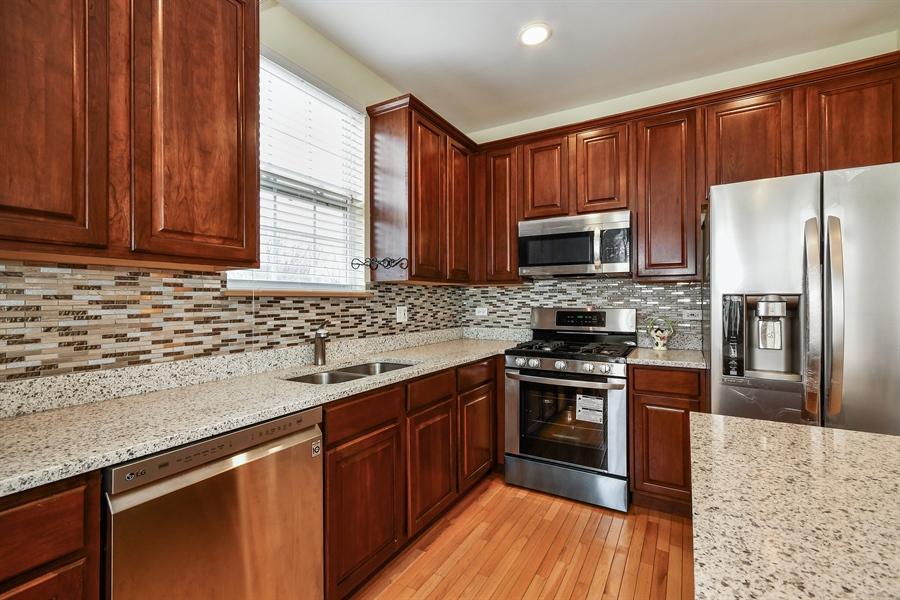 Real Estate Photography - 751 Pheasant Trail, Unit 751, St. Charles, IL, 60174 - Kitchen