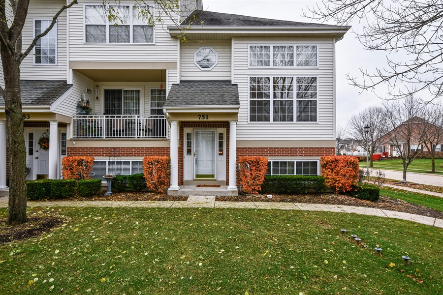 Real Estate Photography - 751 Pheasant Trail, Unit 751, St. Charles, IL, 60174 - Front View