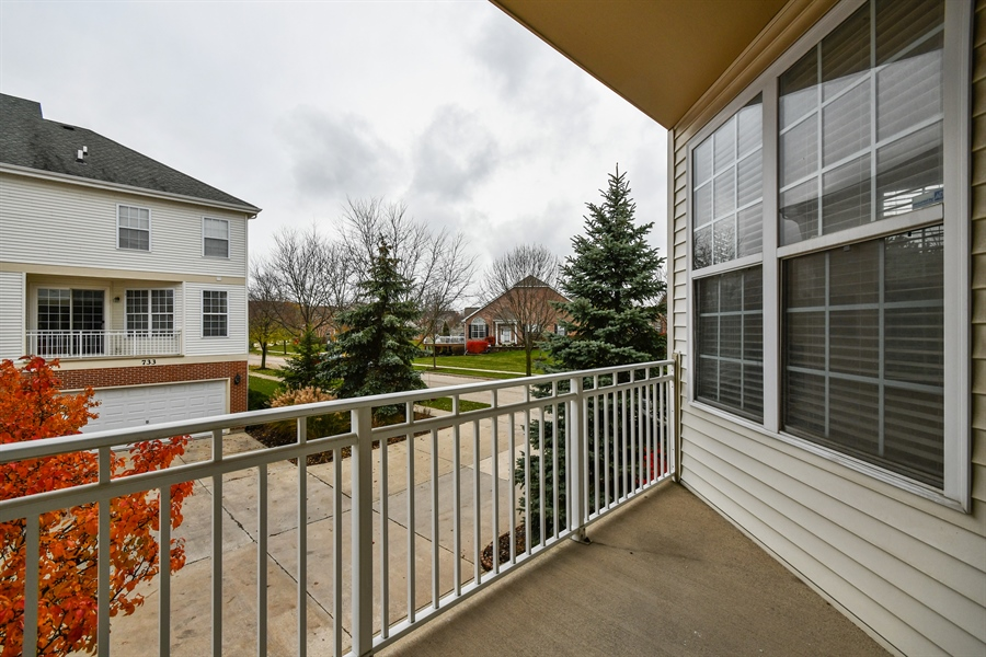 Real Estate Photography - 751 Pheasant Trail, Unit 751, St. Charles, IL, 60174 - Balcony
