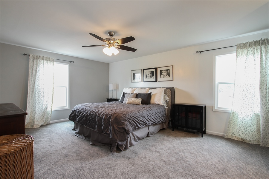 Real Estate Photography - 5 Bent Tree Court, Hawthorn Woods, IL, 60047 - Master Bedroom
