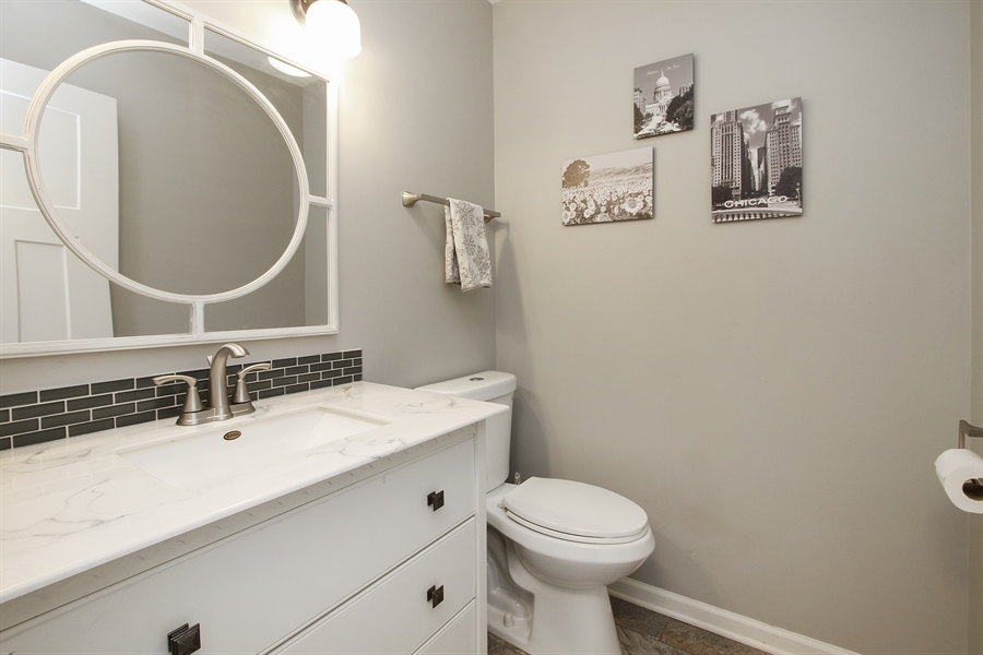 Real Estate Photography - 5 Bent Tree Court, Hawthorn Woods, IL, 60047 - Powder Room