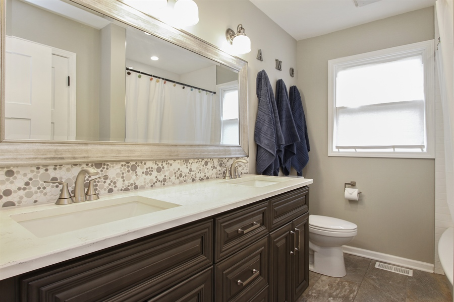 Real Estate Photography - 5 Bent Tree Court, Hawthorn Woods, IL, 60047 - Bathroom