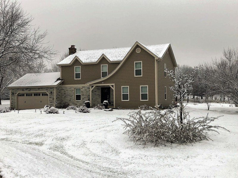 Real Estate Photography - 5 Bent Tree Court, Hawthorn Woods, IL, 60047 - Winter Wonderland