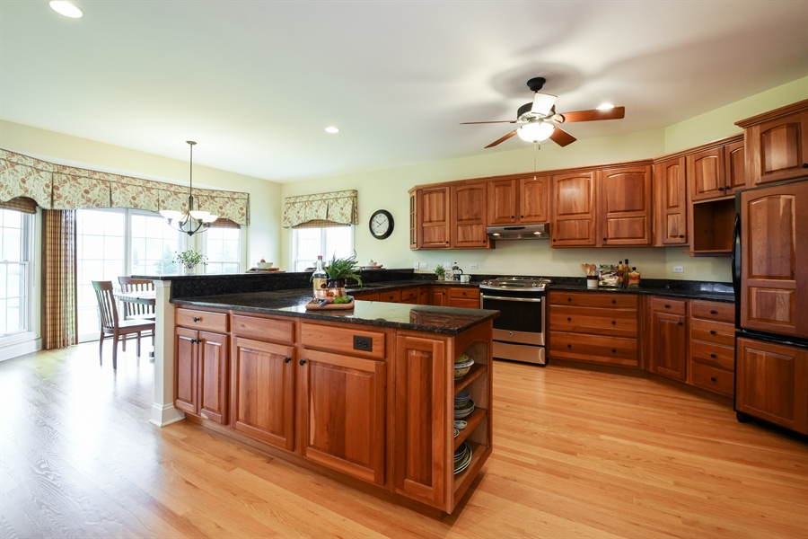 Real Estate Photography - 28413 W. Harvest Glen Circle, Cary, IL, 60013 - Kitchen