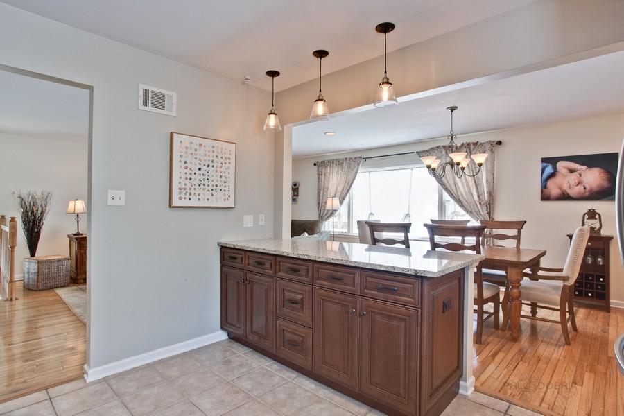 Real Estate Photography - 15049 W. REDWOOD Lane, Libertyville, IL, 60048 -