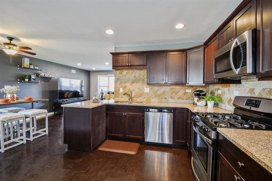 Real Estate Photography - 26363 N. Walnut Avenue, Mundelein, IL, 60060 - Kitchen / Breakfast Room