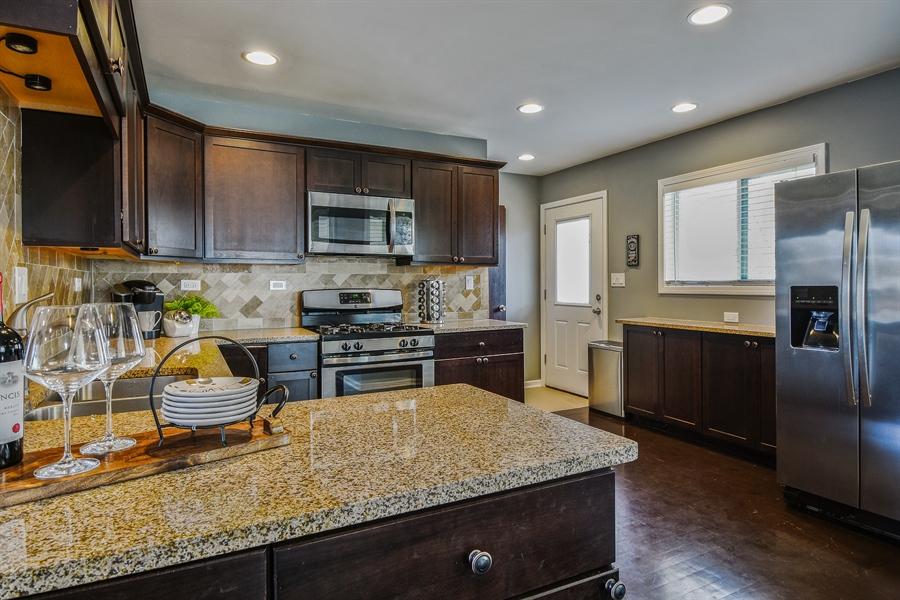 Real Estate Photography - 26363 N. Walnut Avenue, Mundelein, IL, 60060 - Kitchen