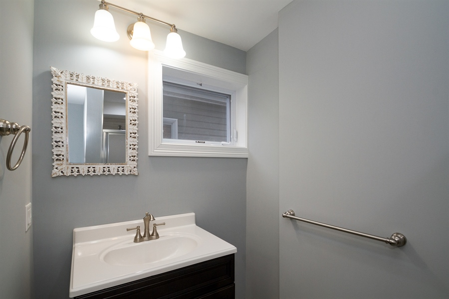Real Estate Photography - 403 W South Street, Woodstock, IL, 60098 - 2nd Bathroom
