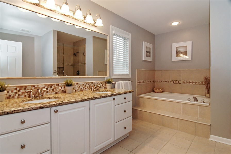 Real Estate Photography - 961 Waterside Court, Aurora, IL, 60502 - Master Bathroom